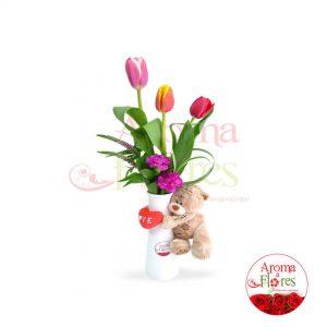 florero tres tulipan mas peluchitos aroma a flores