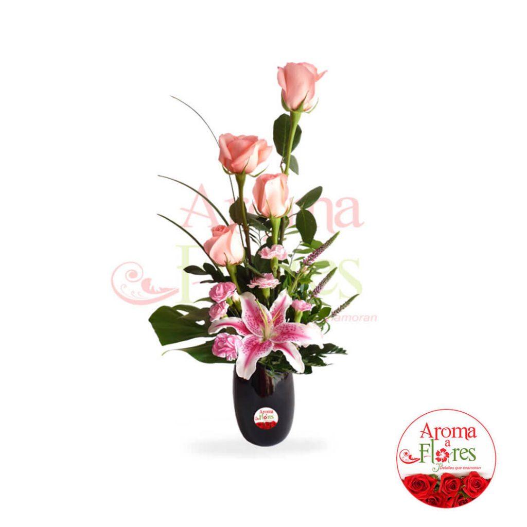florero cuatro rosas aroma a flores