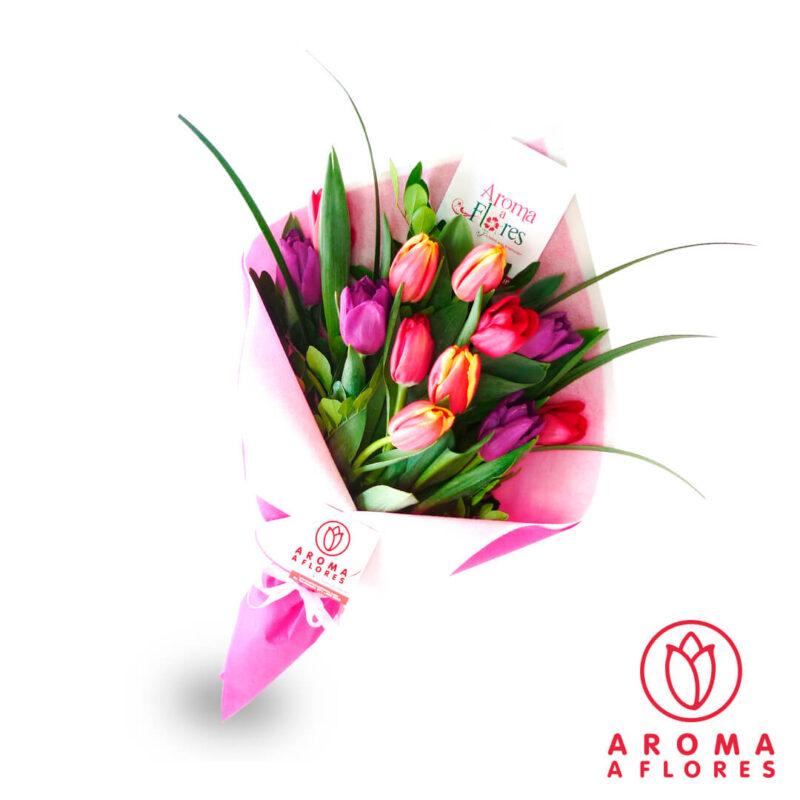 ramo-10-tulipanes-aromaaflores