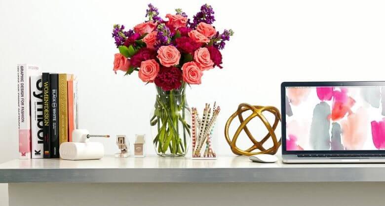 flores en la oficina