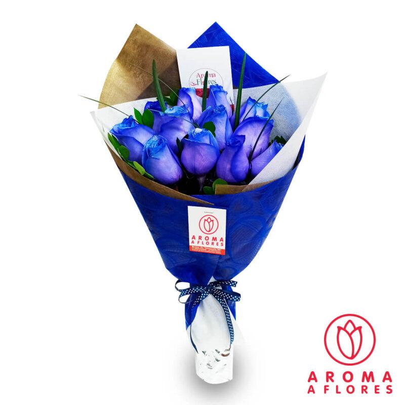 ramo-12-rosas-azules-liriope-aromaaflores
