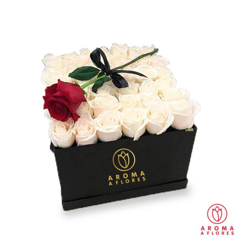 Box-36-Rosas-blancas-aromaaflores